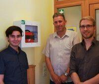 Herzwacht übergibt Erste-Hilfe-Defis an die Freie Waldorfschule Saarbrücken