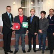 Erste-Hilfe-Defibrillator im Merziger Rathaus installiert